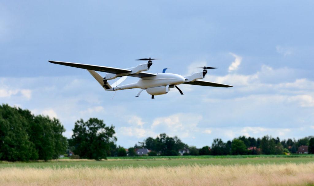 Bild von fliegender Drone